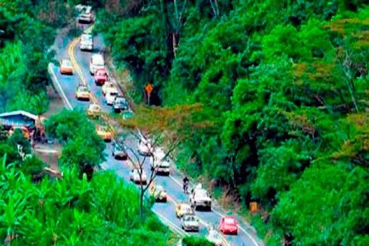 Este fin de año se abre paso de vehículos particulares por La Línea