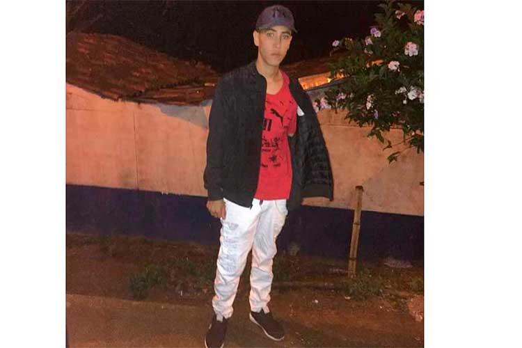 Joven-murió-en-accidente-vía-Pueblo-Tapao---La-Tebaida0