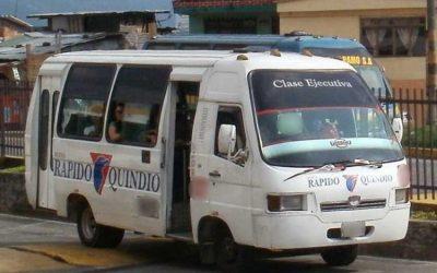 Atracaron bus vía Armenia – Pueblo Tapao