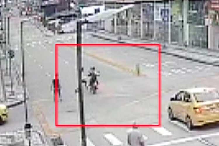 En Armenia delincuentes se lanzan a los vehículos para robar conductores