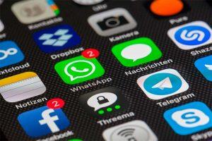 En Colombia se investigan los nuevas políticas de WhatsApp. La aplicación aclara y amplía el plazo para aceptar las nuevas reglas