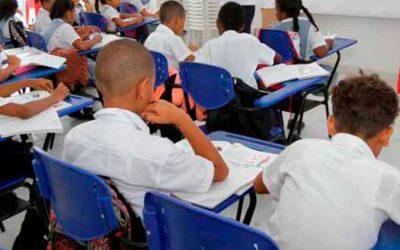 Buscan frenar presencialidad en los colegios con tutelas