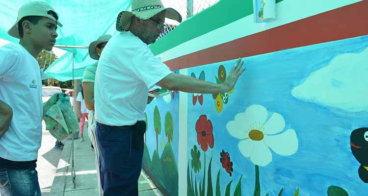 Mario Saenz murales