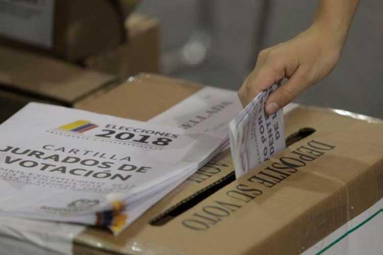 Presos podrían votar si prospera proyecto de ley