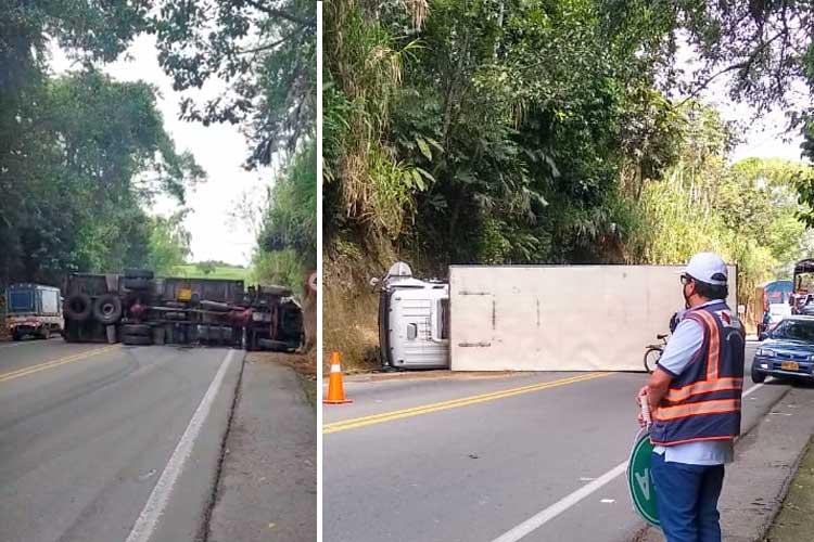 Se volcó camión en la vía Montenegro - Armenia