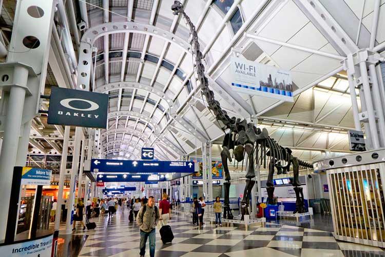 Un hombre duró 3 meses escondido en aeropuerto por miedo al Covid