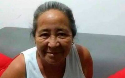 Asesinaron a adulta mayor en Circasia. Iban a matar a un hombre y la impactaron a ella