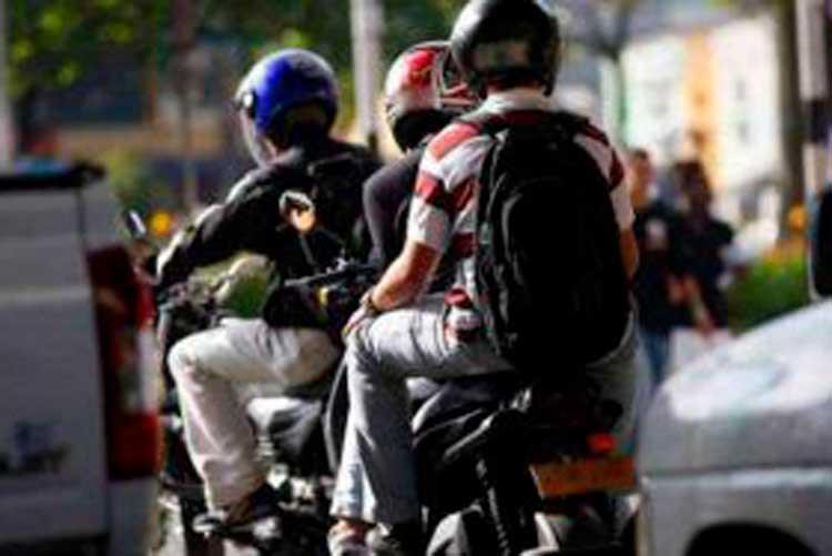 «Mafias dominan transporte ilegal en Armenia»: Asociación de transportadores