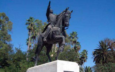 """En España piden retirar estatua de Bolívar por """"traidor y asesino"""""""