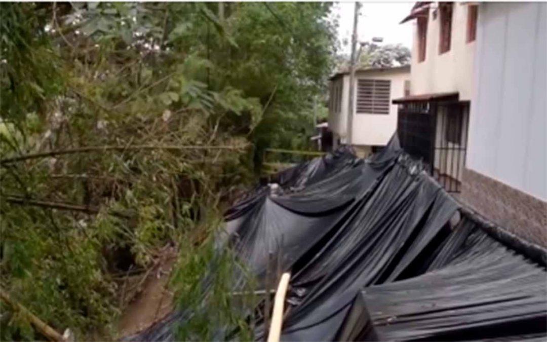 CRQ advierte nuevo deslizamiento en barrio de Circasia