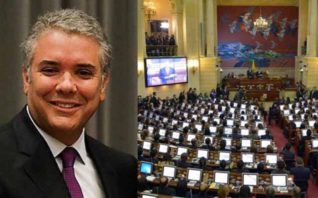 Denuncia golpe de Estado ante propuesta de extender mandato de Duque