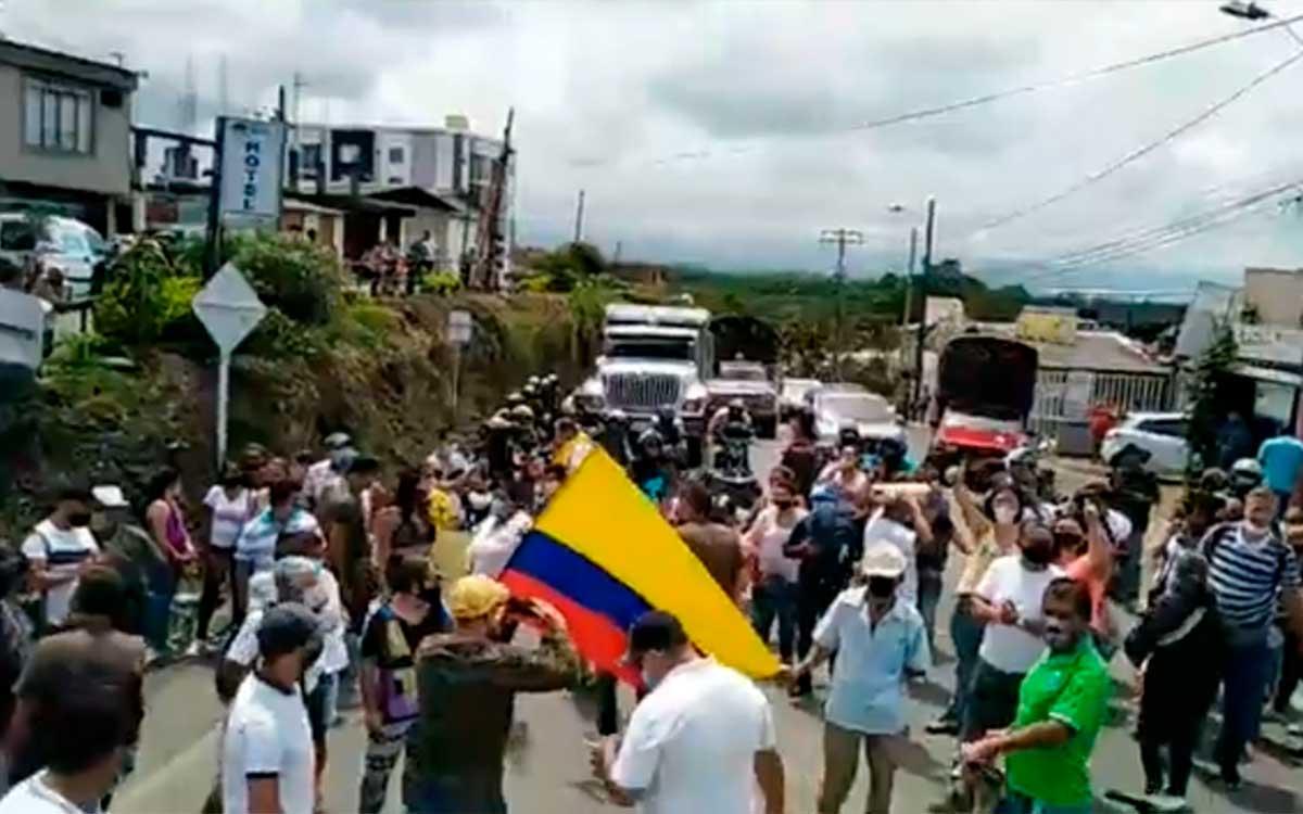 Montenegrinos cerrar vías tarifas EPQ Urbaser