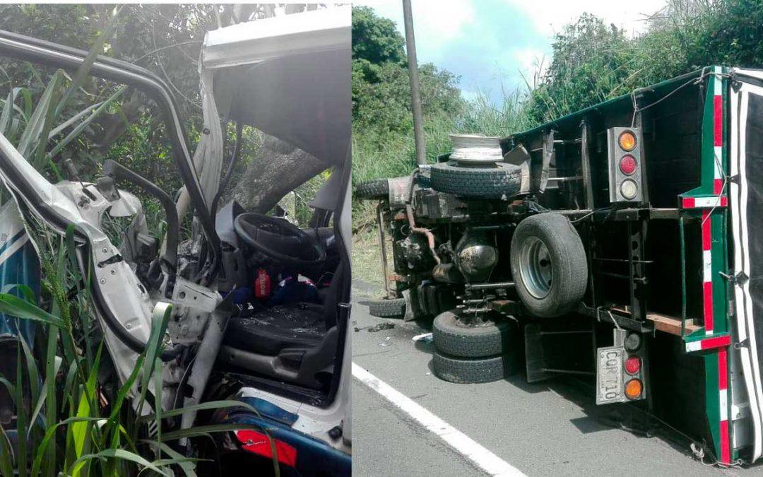 Accidente múltiple en vía La Tebaida-La Paila