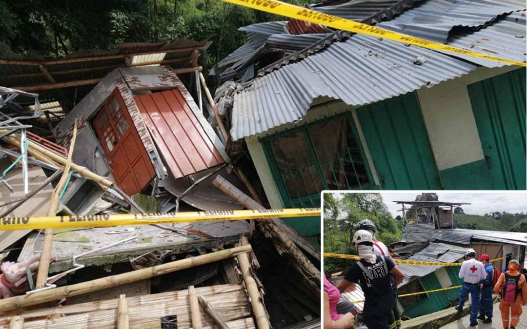 Colapsaron viviendas González Calarcá