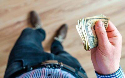 Cómo pagar deudas con el dinero que ganas