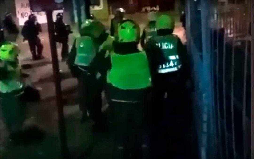 investigación policías voltearon chalecos