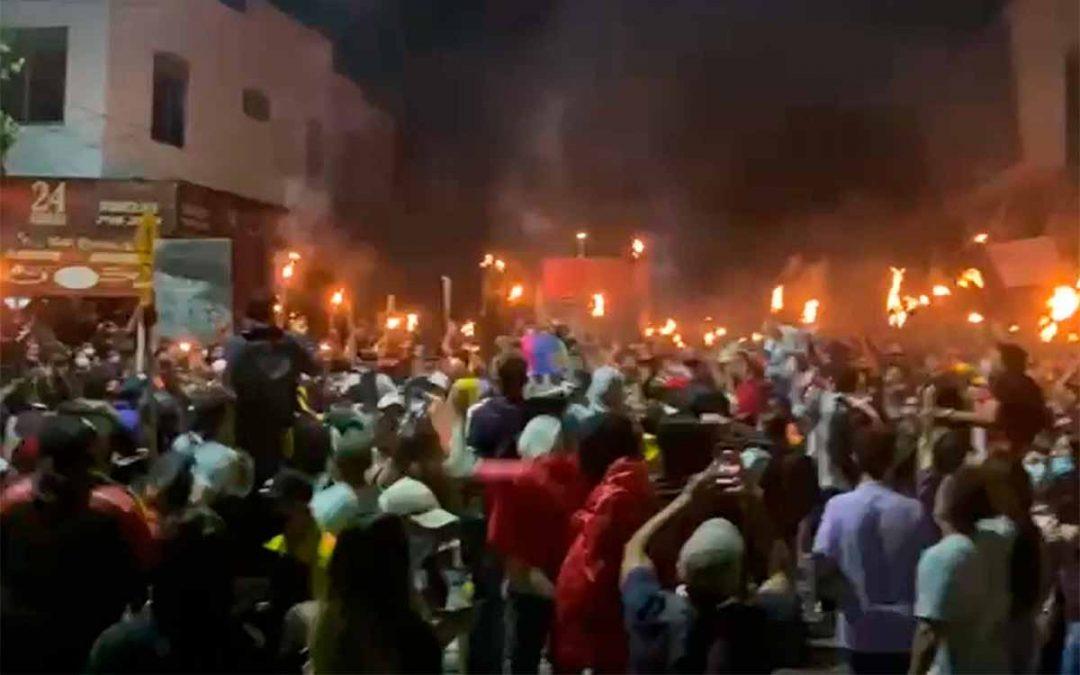 marcha de antorchas Armenia