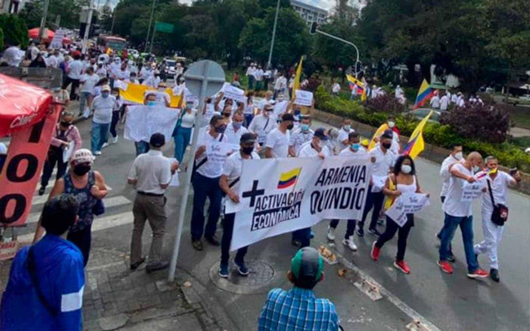 trabajadores Quindío denuncian obligaron a marchar