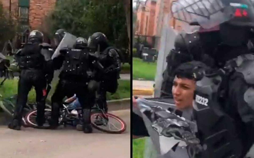 En video: agentes del Esmad golpean a un niño en su bicicleta y agreden a periodistas que los graban
