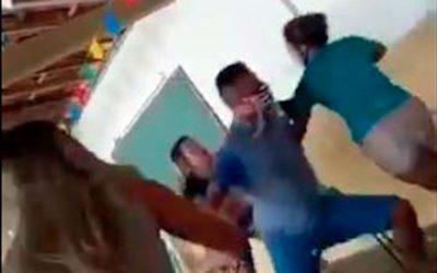 En video: acompañó a la amante a vacunarse y se encontró con su esposa. La vacuna terminó en pelea