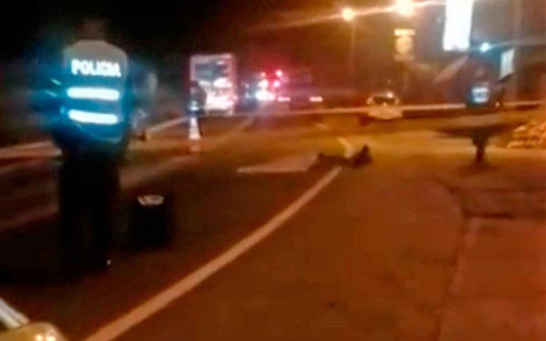 Hombre murió arrollado por una tractomula vía a Barcelona