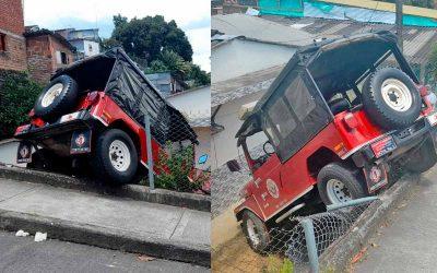Vehículo de bomberos se fue contra una casa en Montenegro