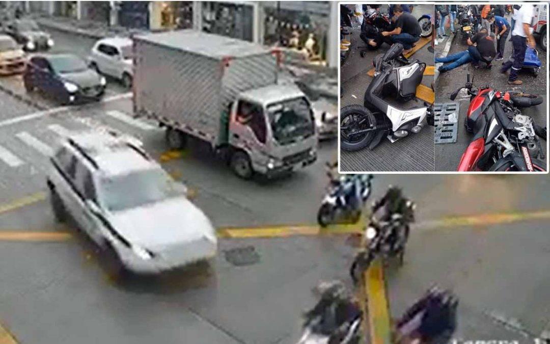 2 lesionados tras choque de una patrulla de la policía contra 3 motos en Armenia
