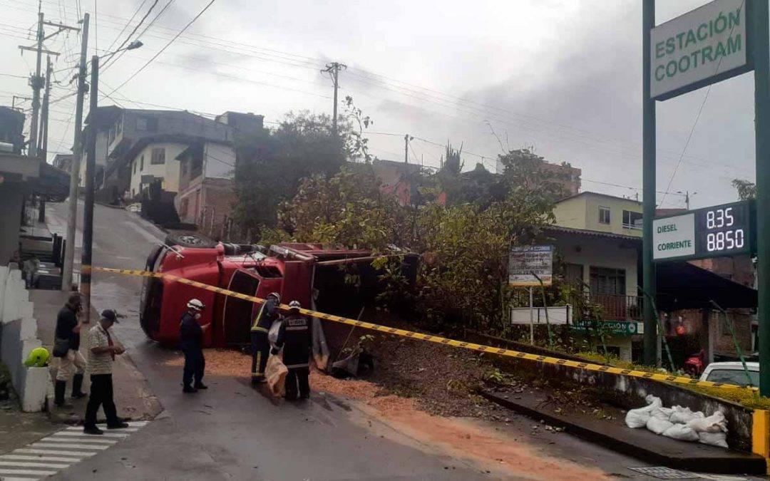 Aparatoso accidente en empinada pendiente en Montenegro