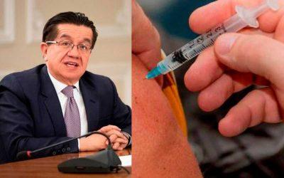 Hoy empieza a aplicarse la tercera dosis contra Covid para mayores de 70 años