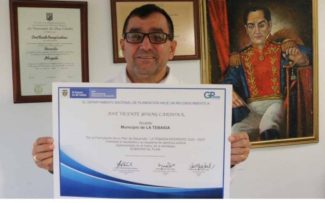 Alcalde de La Tebaida fue premiado a nivel nacional por su Plan de Desarrollo