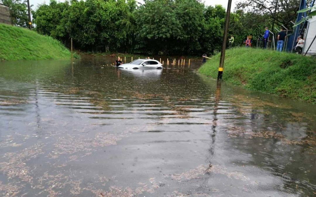 Inundaciones en La Tebaida por fuertes lluvias de las últimas horas