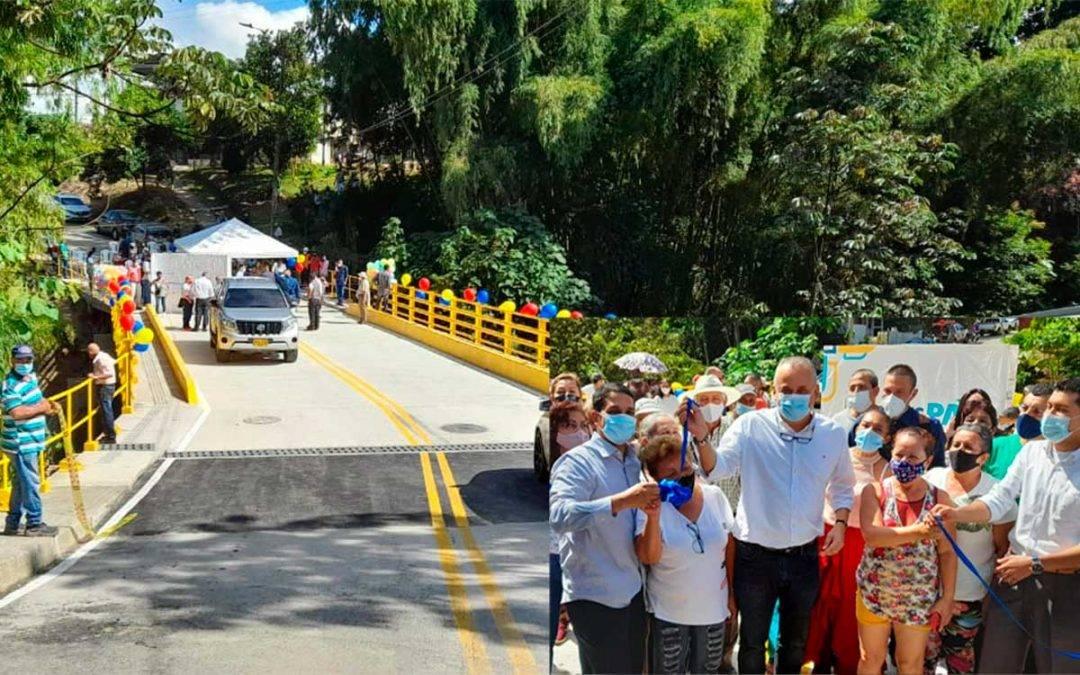 Por fin inauguraron puente del Jardín de La Fachada tras 6 años de espera